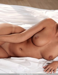 Laetitia is a hot Euro brunette with a sweet smile