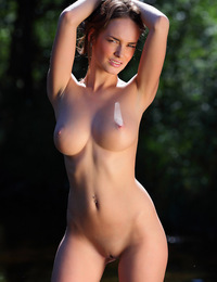 Gorgeous Milana with natural allure and perfect body curves. - Milana F - Potami